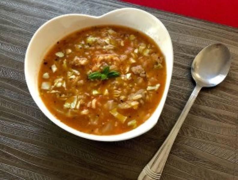 Zupa gołąbkowa z młodej kapusty