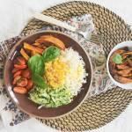 Warzywny wegański super bowl.