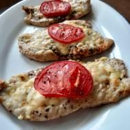 Filety kurczaka zapiekane z serem i pomidorami