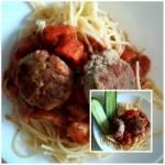 Spaghetti z kotlecikami z kurczaka i sosem pomidorowym