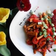 Bataty pieczone z warzywami