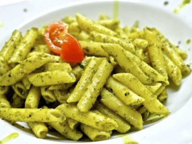 Makaron z oliwą i przyprawami