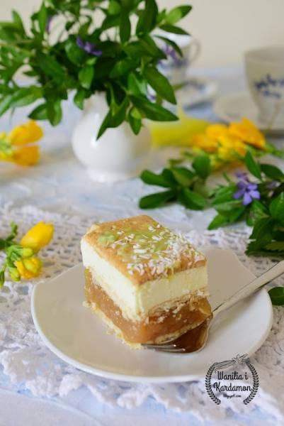 Ciasto rajskie z rabarbarem