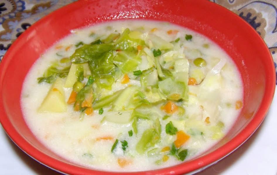 zupa z młodej kapusty na maśle i śmietanie...