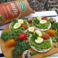 Pasta z zielonego groszku - śniadanie z waflami Kupiec