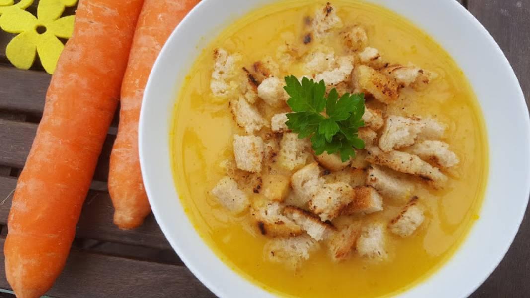 Zupa krem z marchewki z mleczkiem kokosowym
