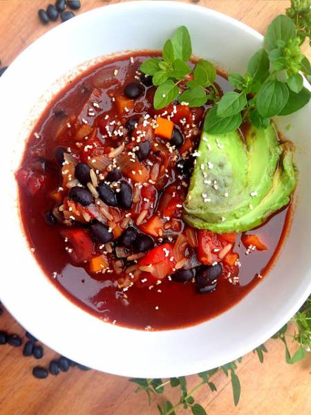 Zupa z czarnej fasoli, dobre źródło błonnika
