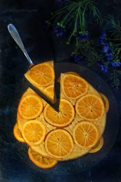 Odwrócone ciasto mocno pomarańczowe