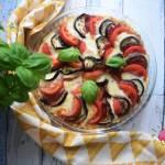 Tarta z bakłażanem, pomidorem, mozzarellą i salami
