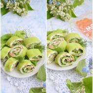 Zielone roladki z serkiem, warzywami i łososiem