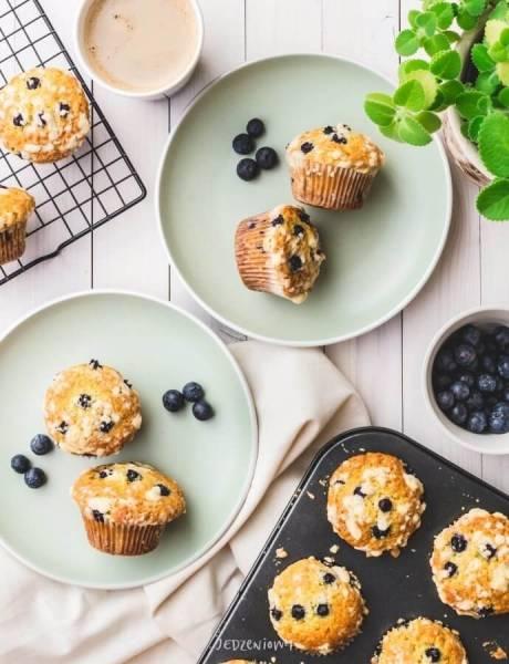 Jagodowe muffinki z kruszonką