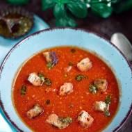 Krem z pomidorów z masłem orzechowym i pesto