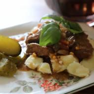 Polędwiczka w sosie z ogórkami kiszonymi, pycha