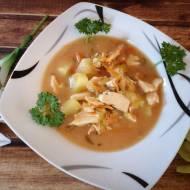 Zupa z ogórków kiszonych  z kurczakiem