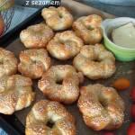 Bułeczki wianuszki z sezamem