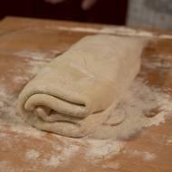 Jak samodzielnie wykonać ciasto francuskie