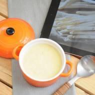 Szybka zupa krem z białych szparagów