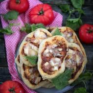 Pizza z pokrzywą