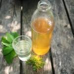 Syrop z melisy i tymianku , doskonały na kaszel lub letni upał