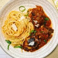 Środa: Pulpety pieczone w sosie pomidorowym