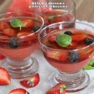 Deser z domową galaretką arbuzową