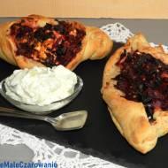 Drożdżowe łódeczki z botwinką a'la tureckie Pide