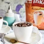 Kawa z czekoladowym sosem