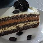 Tort makowy z kajmakowymi kremami