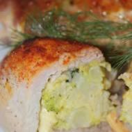 Roladki ze schabu z brokułem i serem w sosie śmietanowym