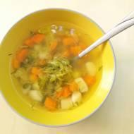 Wiosenna zupa ogórkowa