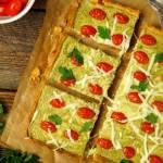 Krucha tarta bazyliowa z mozzarellą i pomidorkami