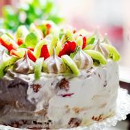 Lekki  tort urodzinowy