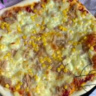 Pizza z tuńczykiem i ananasem