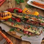 Makrela z grilla z rabarbarem