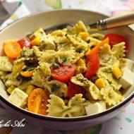 Sałatka makaronowa z zielonym pesto