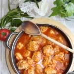 Pulpeciki z ryżem w sosie pomidorowym