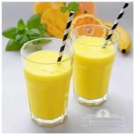 Smoothie pomarańczowo-bananowe z mango
