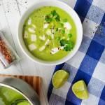Orientalna kokosowa zupa krem z zielonego groszku