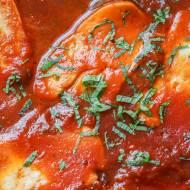 Halloumi w sosie pomidorowym (4 składniki)