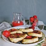 Racuchy na maślance z truskawkami