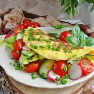 Omlet z szynką i nowalijkami