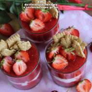 Fit deser truskawkowy z serkiem typu grani