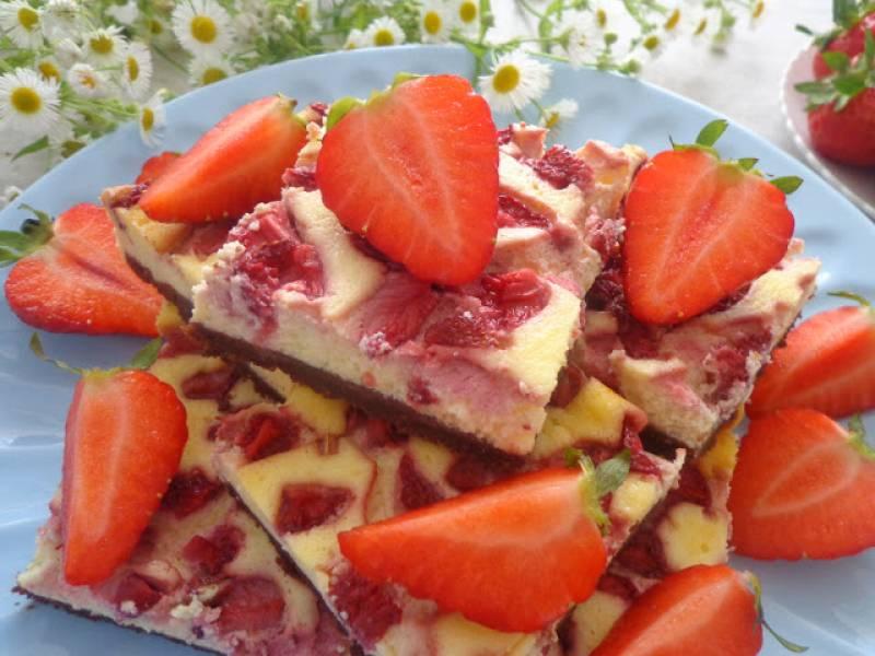 Cheesecake z truskawkami (Cheesecake con fragole)