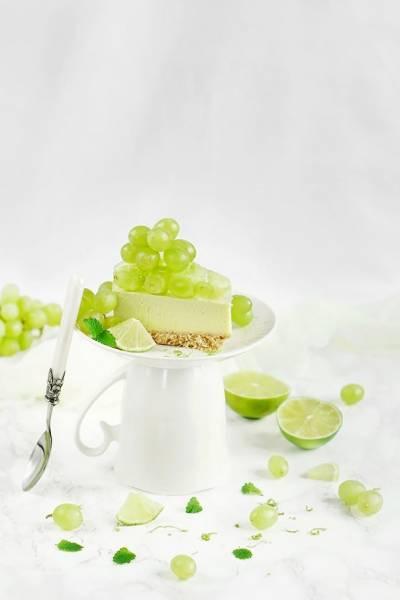 Limonkowy sernik z herbatą matcha – Deser na upały