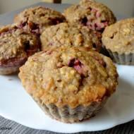 Muffinki owsiane z truskawkami i orzechami