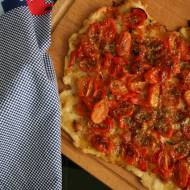 Szybka tarta z pomidorami