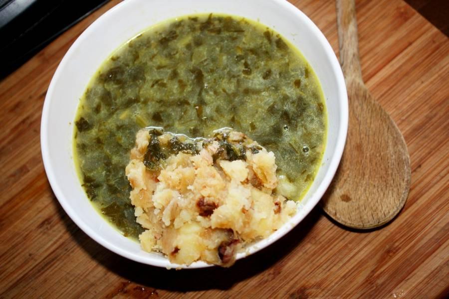 Zupa szczawiowa po wiejsku ze świeżego szczawiu