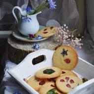Z ŁĄKI NA TALERZ: Maślane ciasteczka z kwiatami