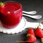 Czerwony koktajl śniadaniowy truskawka&malina&burak