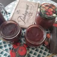 Konfitura z truskawkami.i czekoladą